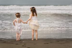 Cameo & Skyla Beach Scene (1)
